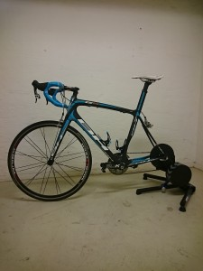 Landsvägsracern står numera på lagret för att få till cykelpassen på lunchen